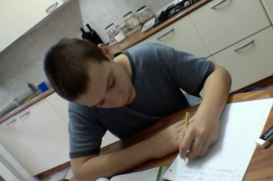 Giacomo, domenica mattina, compiti di matematica