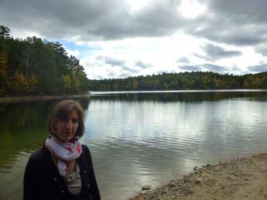Elena Guerini sul lago di Concord, vicino a Boston, dove ha vissuto Henry David Thoreau